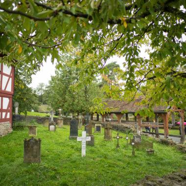 Blick auf den Kirchhof
