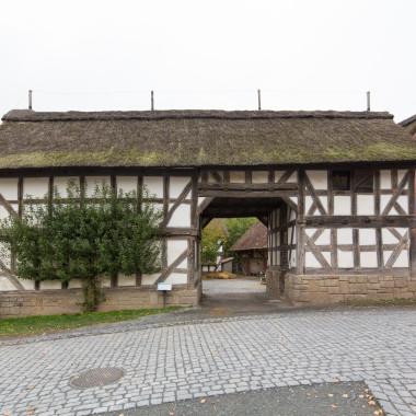 Torgebäude aus Betziesdorf