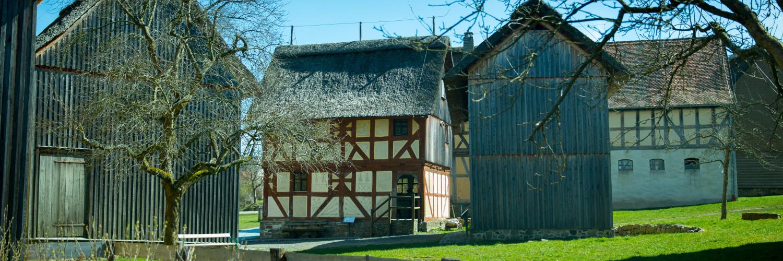 Blick auf die Baugruppen Mittelhessen, in der Mitte zu sehen ist das Haus aus Frankenbach.