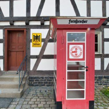 Außenansicht des Posthauses aus Ahlbach