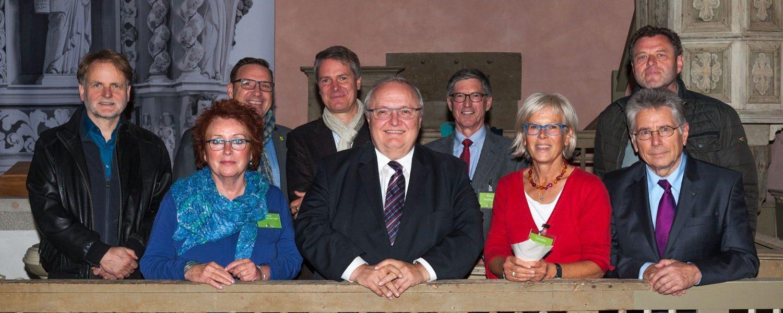 Von links nach rechts: Volker Kuth, Gudrun Mütze von der Lahr, Jürgen Banzer, Cornelia Albrecht, Roland Linnemann, dahinter Thomas Pauli, Jens Scheller, Klaus Hoffmann und Wolfgang Sauer. Es fehlen Gregor Maier und Manfred Gönsch.