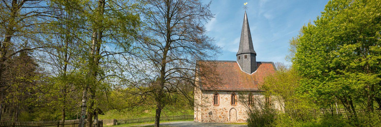 Außenansicht der Kapelle aus Lollar