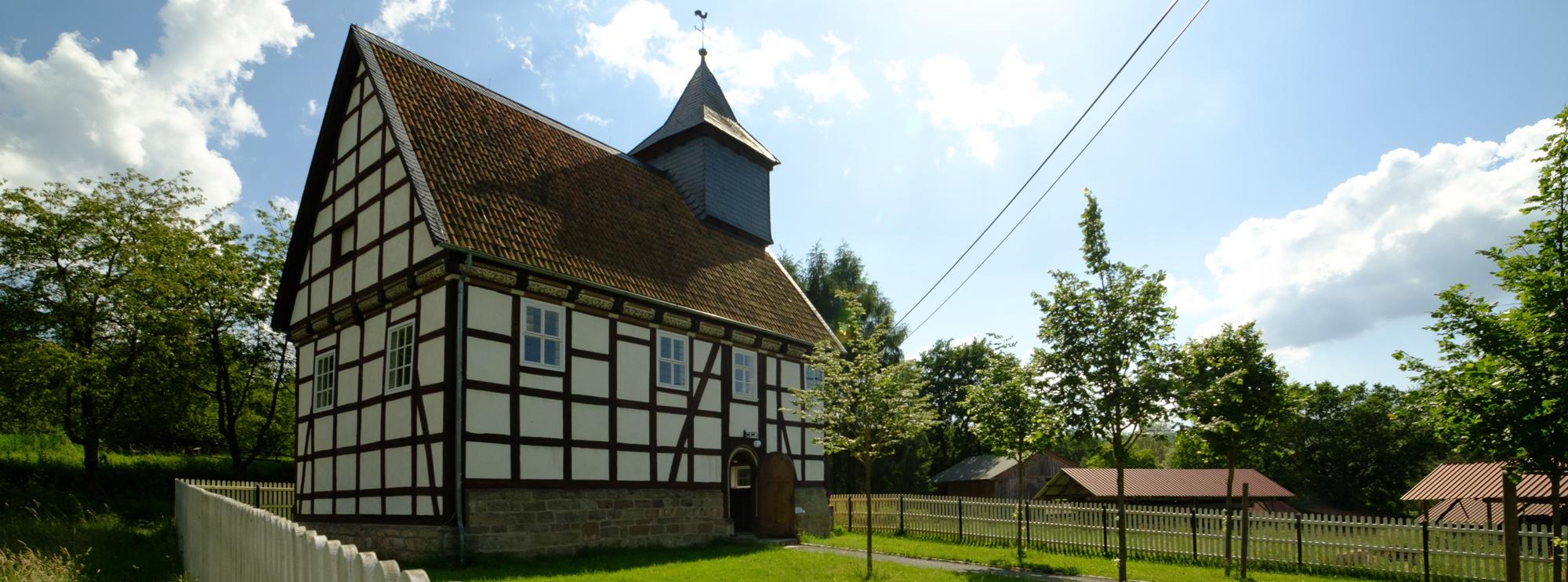 Außenansicht Kirche aus Kohlgrund