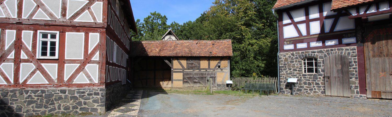Nebengebäude aus Launsbach