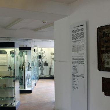 """Dauerausstellung """"Eisenkunstguss und Ofenplatten"""""""