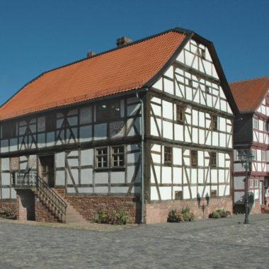 Haus aus Rörshain auf dem Marktplatz