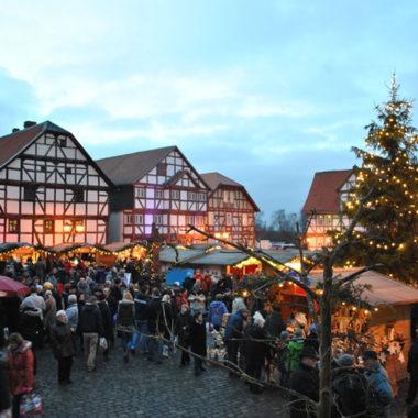 Der Rewe-Weihnachtsmarkt im Hessenpark