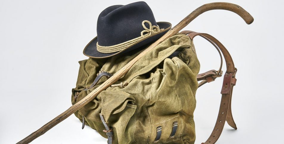 """Wanderausrüstung als Leitmotiv für die Sonderausstellung """"Wanderlust"""""""